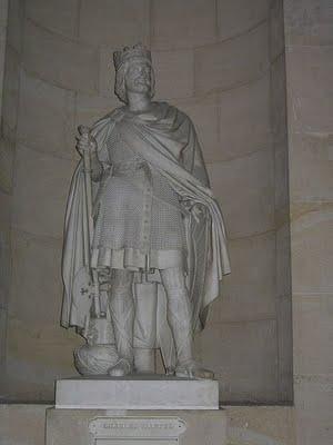 Estátua de Carlos Martel no Palácio de Versailles